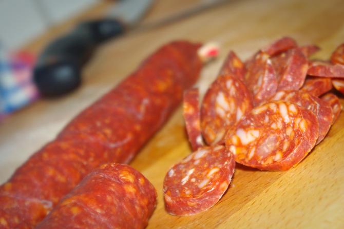 Chorizo schneiden