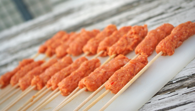 Fingerfood-Cevapcici vom Grill