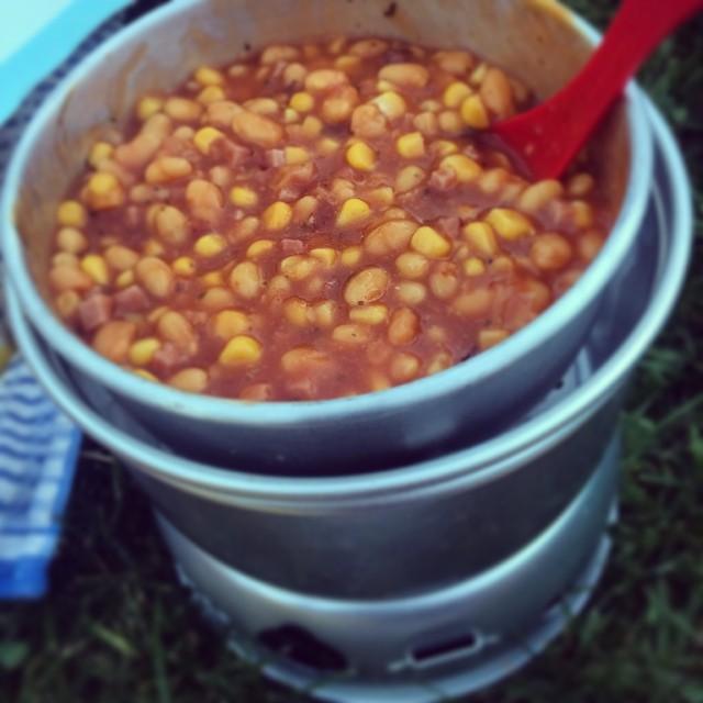 Cowboy-Beans aus dem Trangia