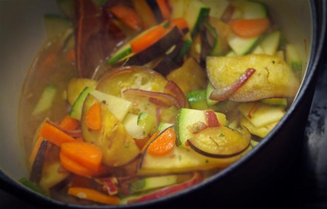 Dhal-Curry mit Gemüse